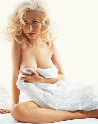http://www.yoest.org/archives/christina_aguilera_gqmag_wiregirl_vertical.jpg